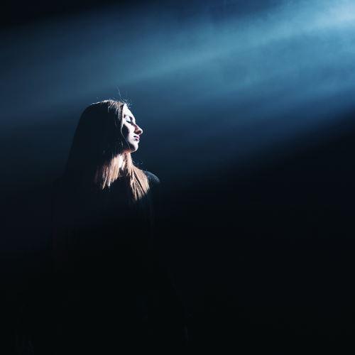 "RUBY BOUZIOTI: Video για την νέα της διασκευή στο ""Heaven's A Lie"" των Lacuna Coil"