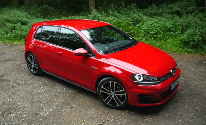 Volkswagen Golf 7 GTD in red, front view