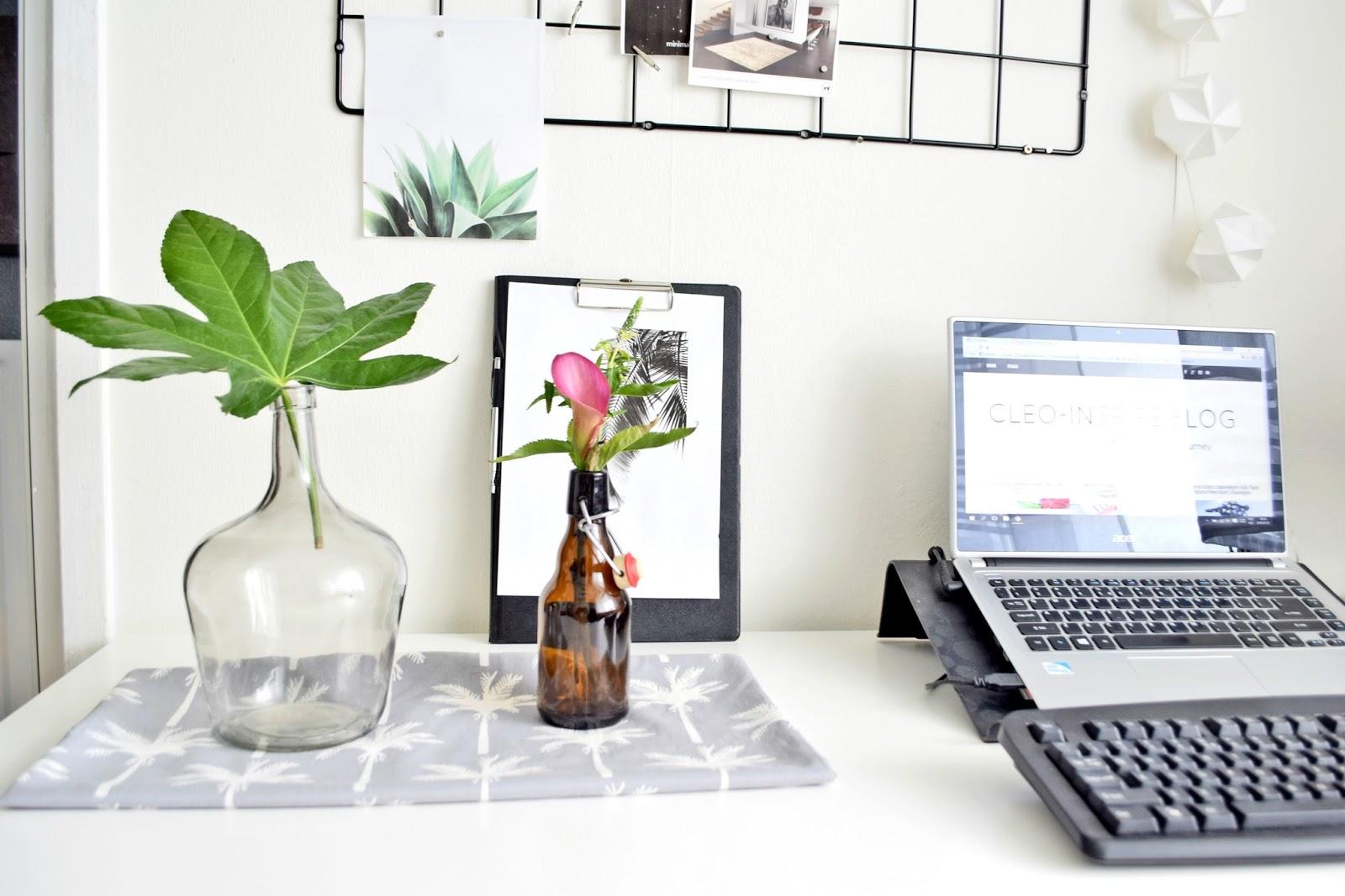 dekoracje na biurku