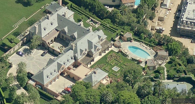 Houses of the rich people of the United States