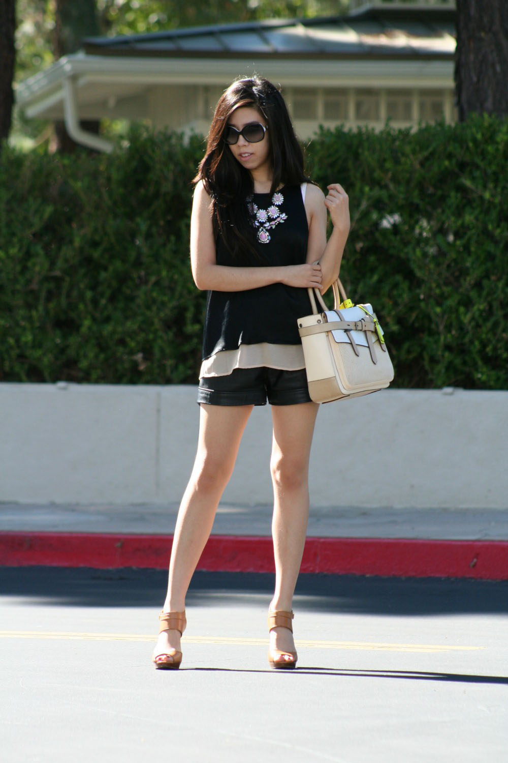 How to Wear Black Leather Shorts - How to Look Sophisticated in Black Leather Shorts