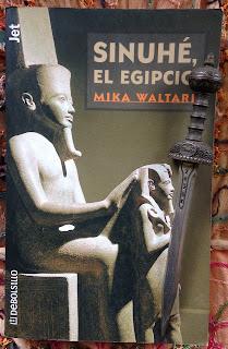 Portada del libro Sinuhé, el egipcio, de Mika Waltari
