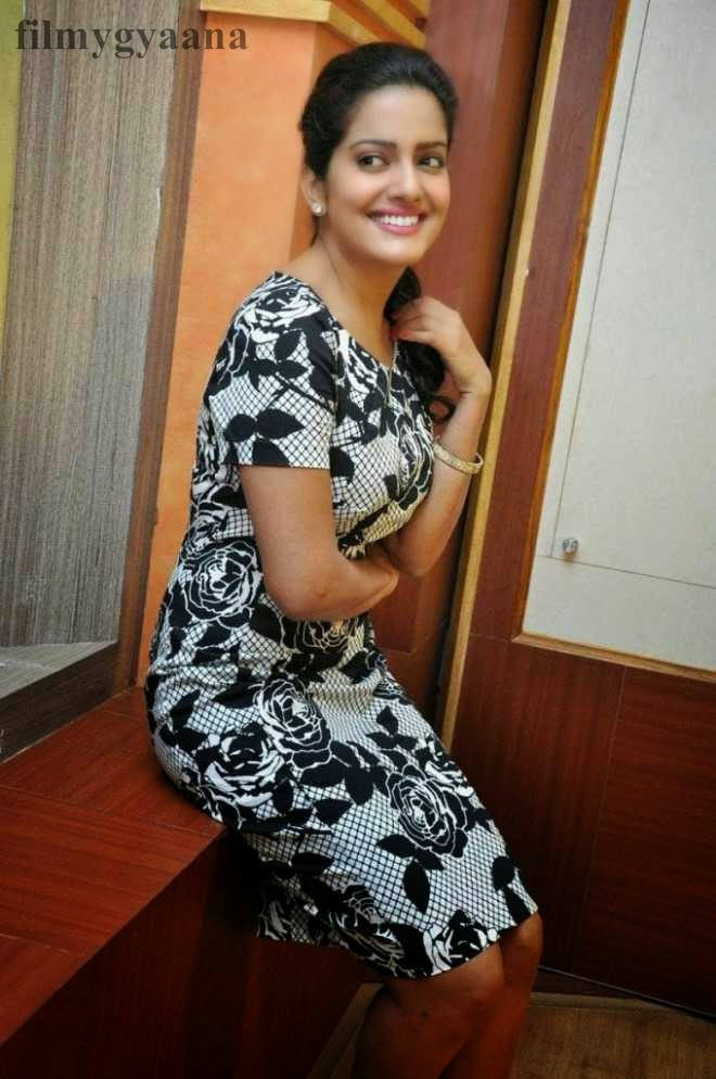 vishakha singh latest hot pics