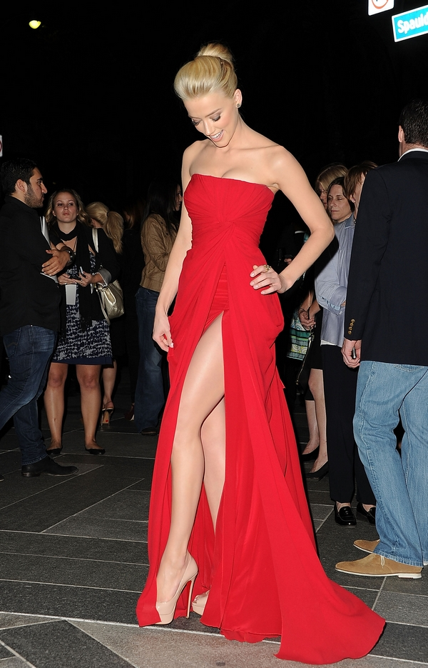 Amber Heard Rum Diary Premiere red dress