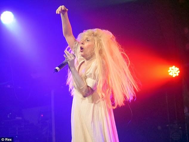 Lady Gaga Totally Naked