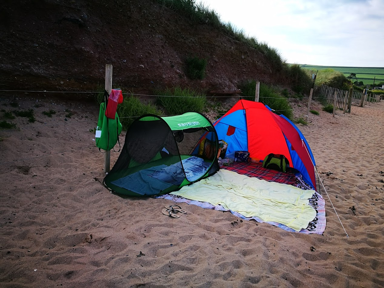 We used is a few times on trips to the beach and in the garden to get Speedy used to the tent & Speedy the cheeky house bunny: Speedy Review Sansbug Pop up ...