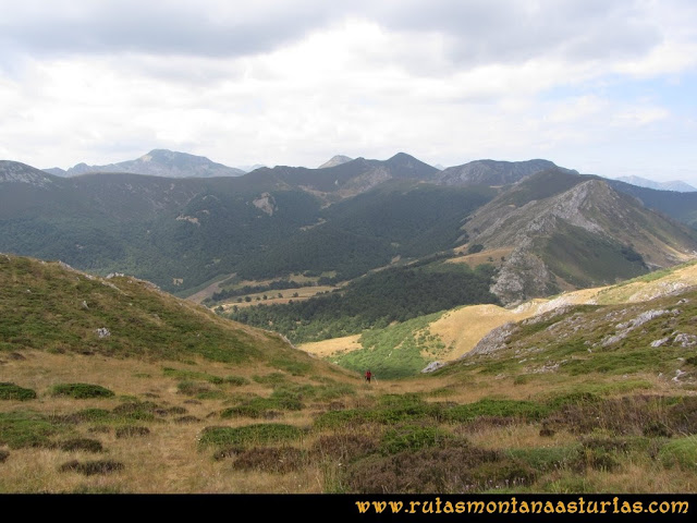 Ruta Ventaniella, Ten y Pileñes: Subiendo por la canal de Ten