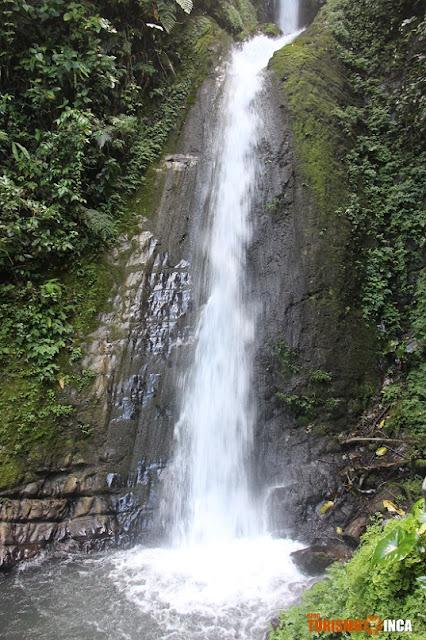 Catarata de Azul Yacu Pampa Hermosa