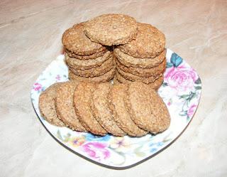 biscuiti, biscuite, biscuiti cu tarate de ovaz, biscuiri de casa, dulciuri, biscuiti cu scortisoara, biscuiti digestivi, biscuiti cu unt, deserturi, biscuiti cu cereale reteta, biscuiti cu ovaz, biscuiti crocanti, retete cofetarie, retete patiserie, prajituri, biscuiti fragezi, biscuiti cu lapte, aluat de biscuiti, cum facem biscuiti de casa,