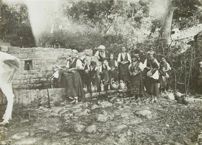 Donne albanesi nel distretto di Valona, 1915