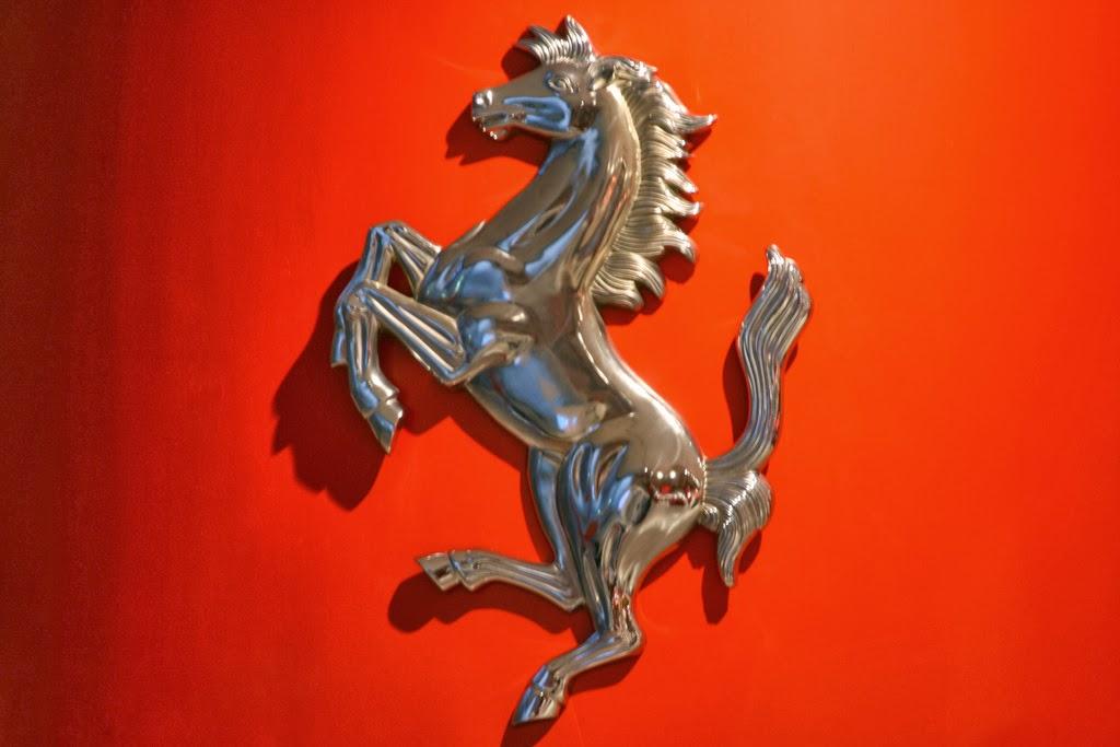 janex cavalino - Vidrados no cavalinho - Enzo Ferrari, uma paixão toda italiana.