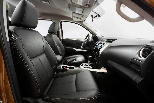 Nova Nissan Frontier 2018 - interior - espaço interno