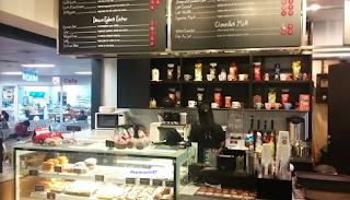 Kafe di Bandara Halim
