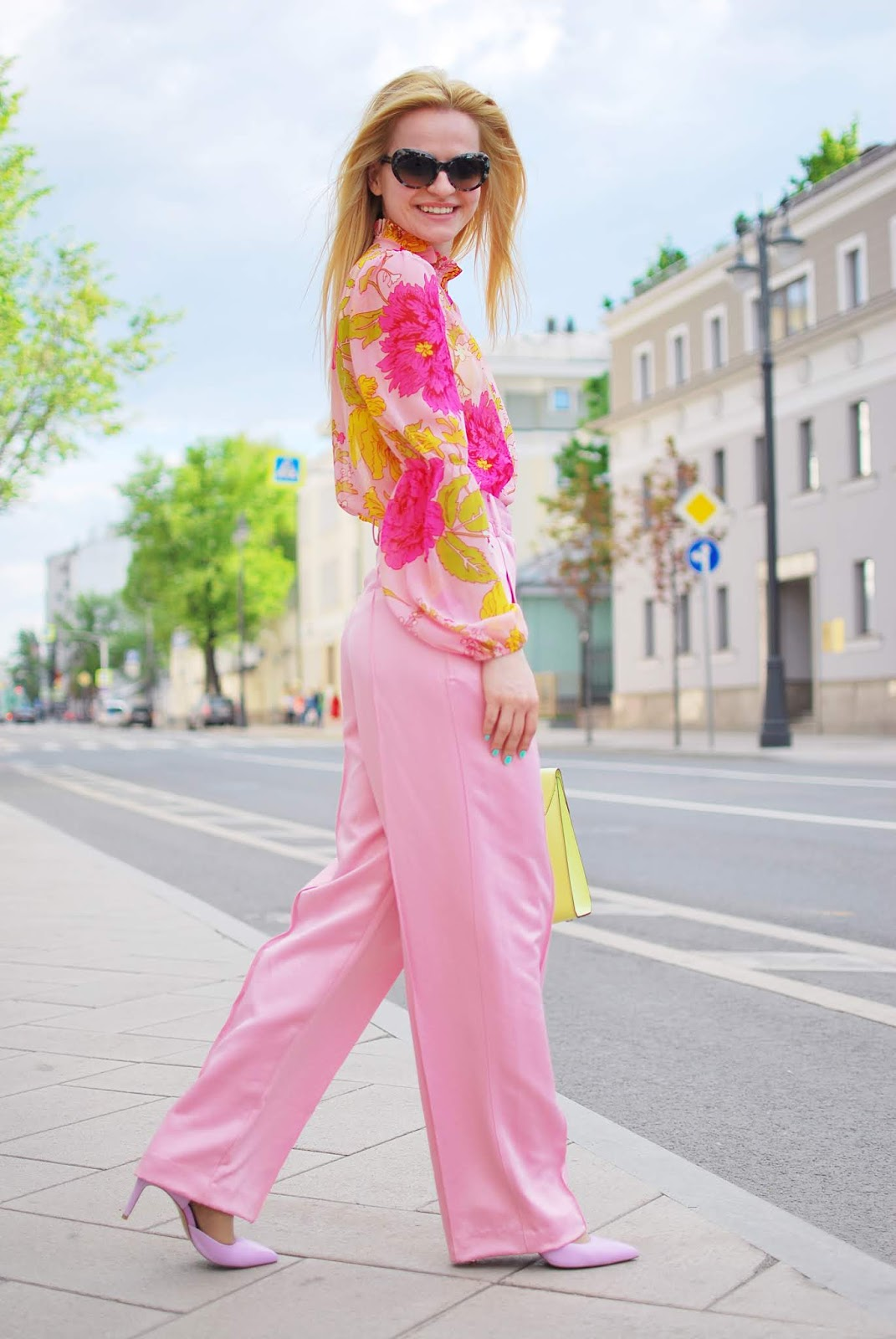 wide leg satin trousers chic outfit in street fashion_coccinelle bag