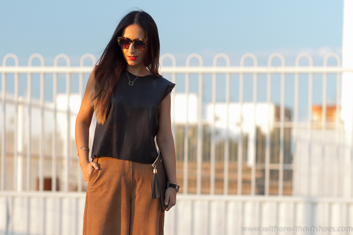 Blogger influencer española de moda adicta a los zapatos con sandalias Jimmy Choo