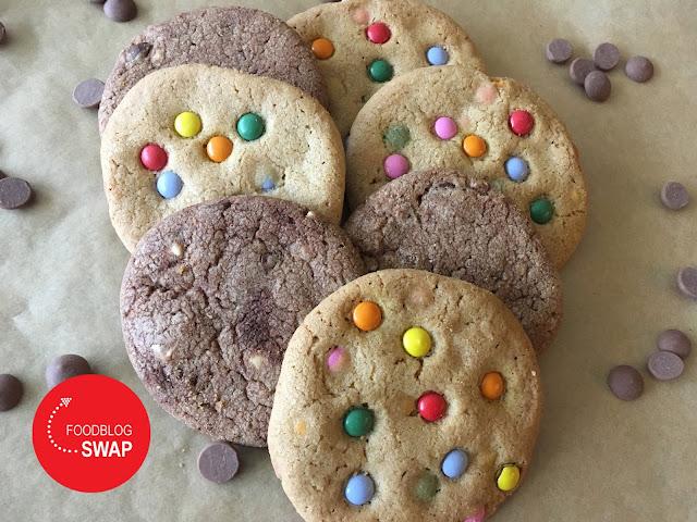 koeken met chocolade en koeken met minismarties