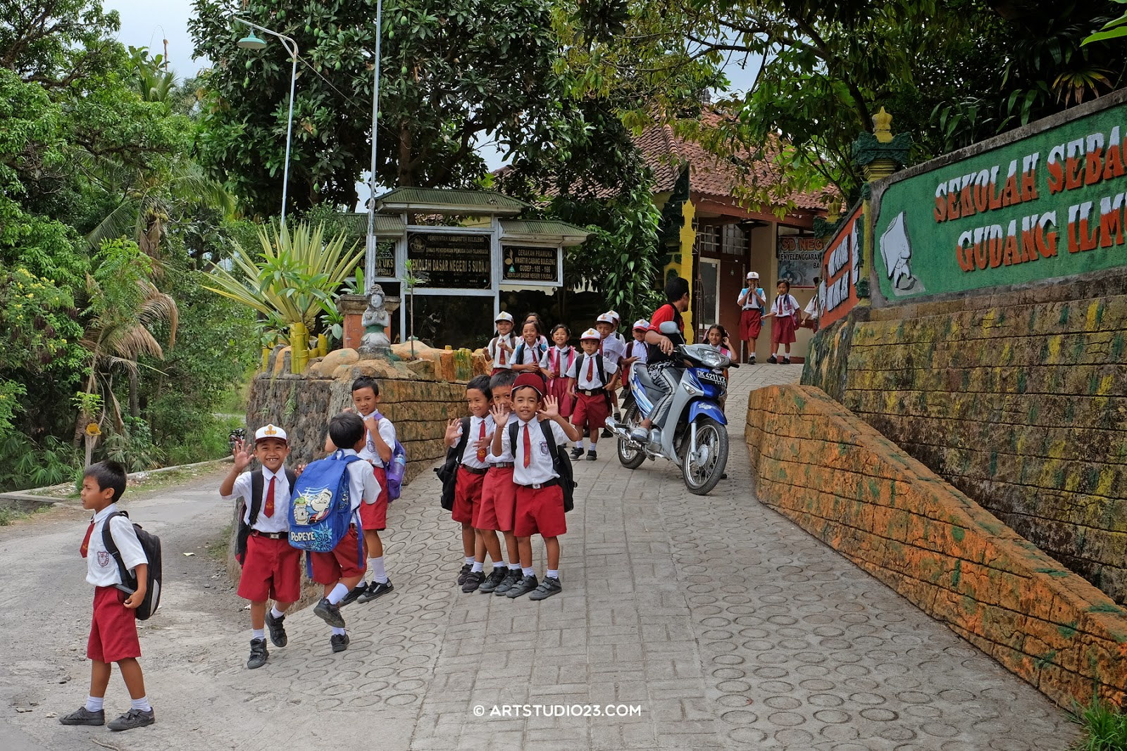 Books wanted, Indonesia schools