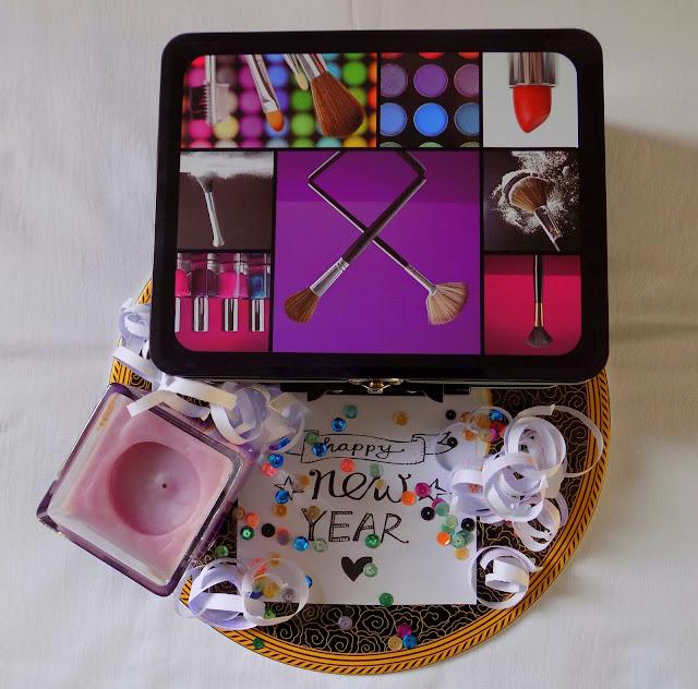 FashionDRA  Awesome DIY Box Gift Idea
