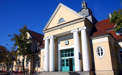 Cidade polonesa impede construção de apartamentos em cemitério judaico
