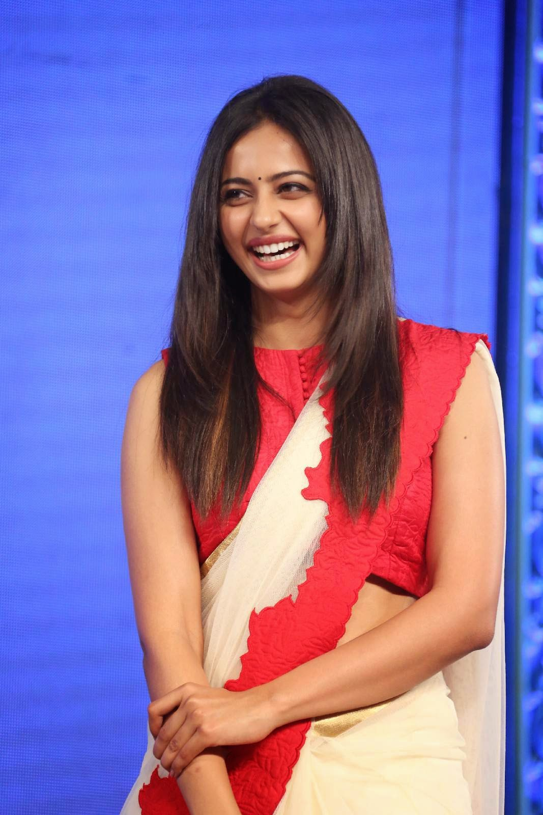 South Indian Hot Girl Rakul Preet Singh Navel Show In Transparent Red Saree
