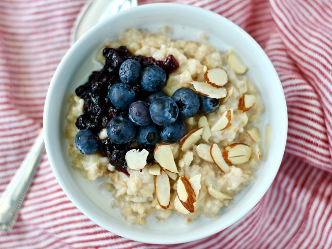 How to Make Overnight Steel Cut Oats in the Slow Cooker