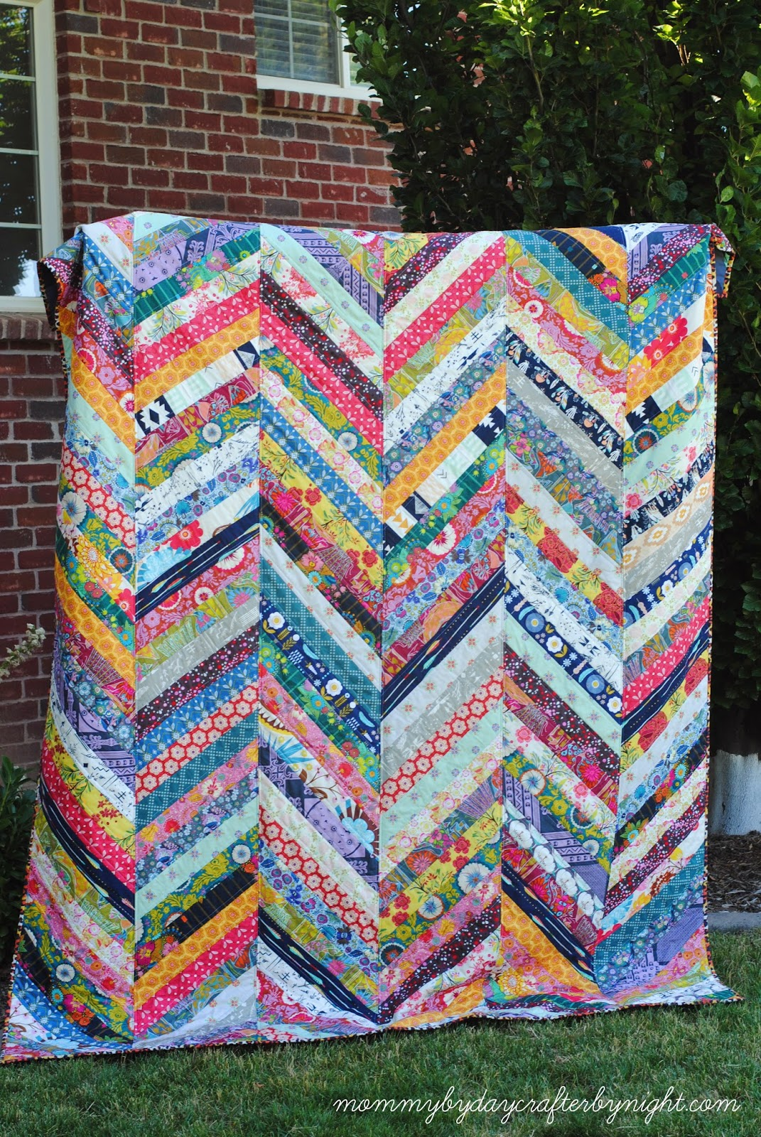 mommy by day crafter by night anna maria horner qayg herringbone quilt. Black Bedroom Furniture Sets. Home Design Ideas