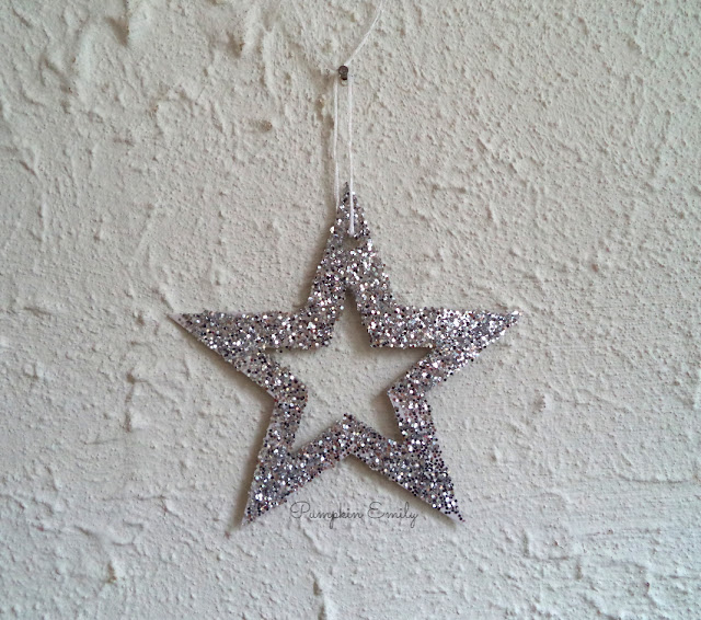 DIY Glitter Star Decoration