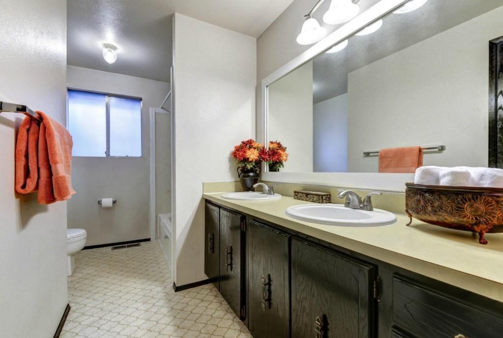 lizzy write house tour kids bathroom mini remodel