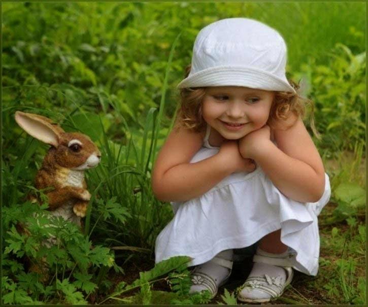 baby-girl-ile-tavşan
