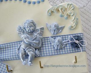 Anjo em porcelana fria