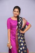 Madhu Shalini laest glam pics-thumbnail-5