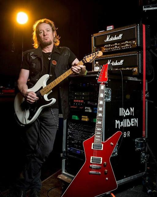 Adrian Smith: guitarrista do Iron Maiden vai lançar autobiografia em 2020