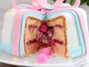 Fille ou garçon ? Le pinata cake qui révèle le sexe du bébé ! Baby shower cake