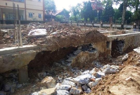 Nhiều điểm sụt lún đã xảy ra, người dân nghi ngờ công trình không đảm bảo chất lượng