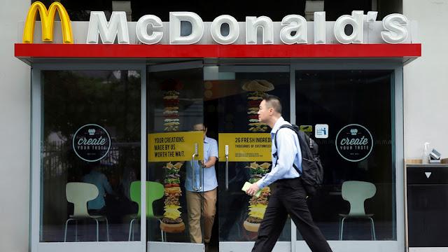 McDonald's se disculpa por servirle a una mujer embarazada una solución de limpieza en vez de café