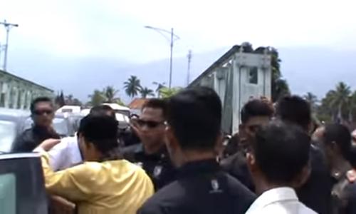 Sambut Kedatangan Presiden, Warga Kota Solok: Pak Jokowi Yes, Lanjutkan, Lanjutkan...