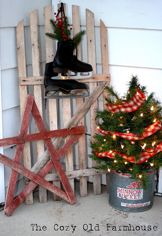 """The Cozy Old """"Farmhouse"""": A Little of My Rustic Christmas ..."""