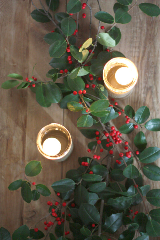 Decorating With Holly For Christmas Dinner 17 Apart