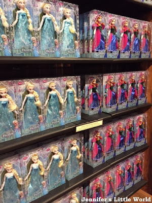 Elsa and Anna dolls at Disneyworld, Orlando