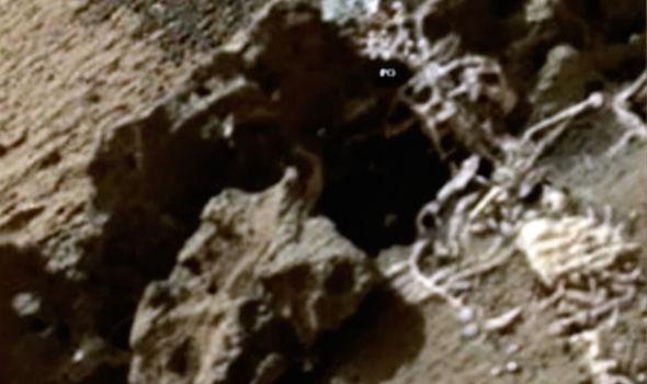 செவ்வாய் கிரகத்தில் ஏலியன் ராஜா எழும்புக்கூடு கண்டுபிடிப்பு 1