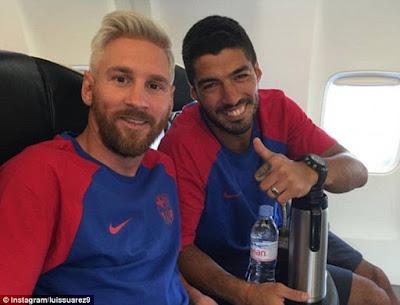 Messi, Suarez thường có thói quen đi tiểu ngồi