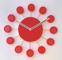 Resultado de imagem para Relógio De Tampinhas De Garrafa PET