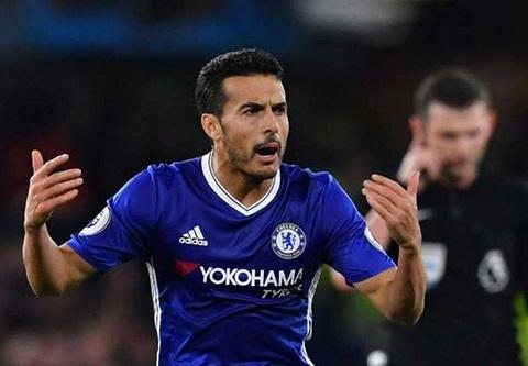 Pedro cập bến Chelsea vào kì chuyển nhượng mùa hè năm 2015