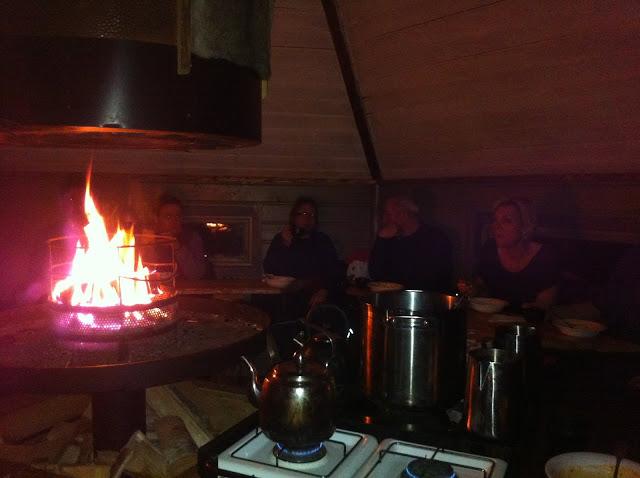 Lagerfeuer Hütte Schweden Schnee