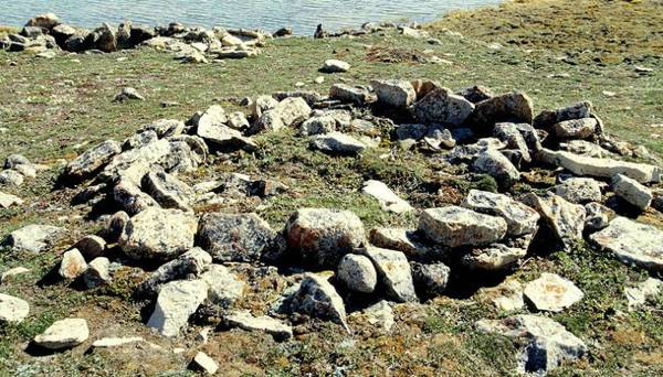 Yacimiento arqueológico Thule situado en Bahía Cambridge, Isla Victoria, Canadá.