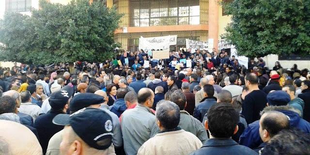 اضراب ثانويات البليدة : تلاميذ الاقسام النهائية متخوفون من شبح السنة البيضاء