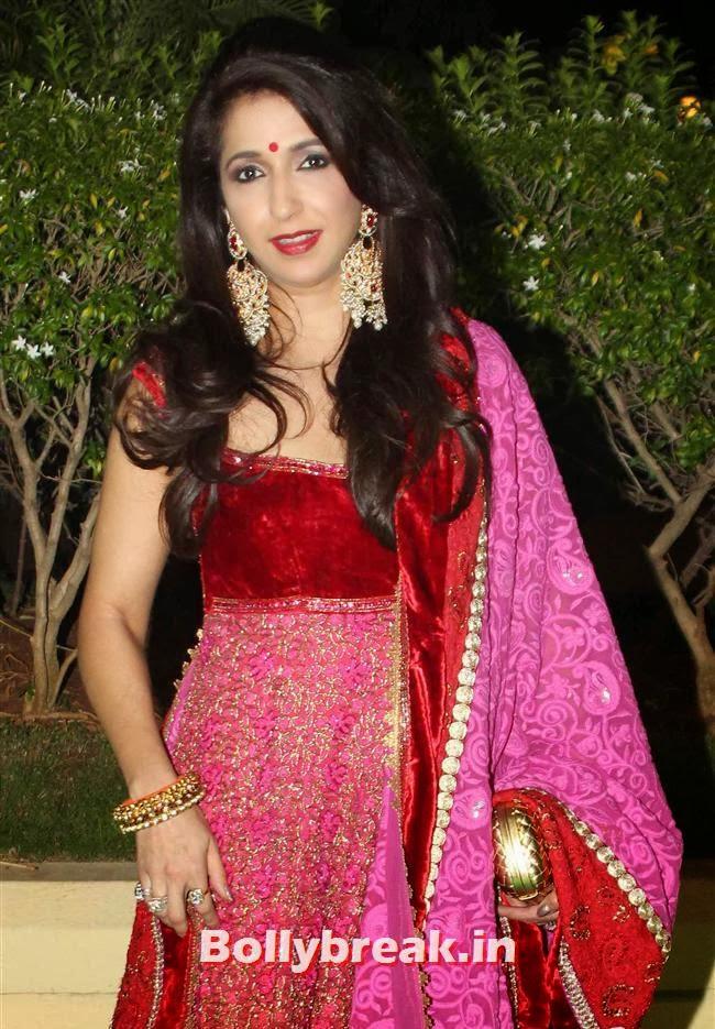 Krishika Lulla, Bollywood Babes at Vishesh Bhatt Wedding Reception
