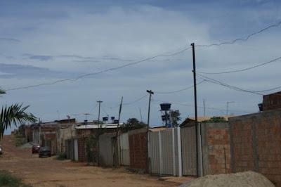 Moradores relatam quedas constantes de energia no bairro Morro da Cruz