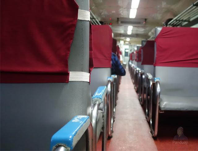 Interior Kereta Api Penataran Lokal AC