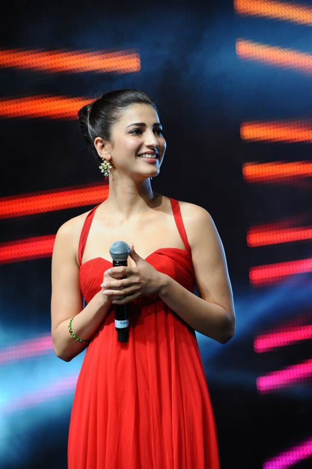 Shruti Haasan Latest Hot Red Dress Photos